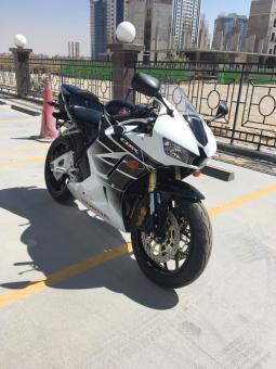 2016 Honda CBR 750cc.. whatsap..+971556543345